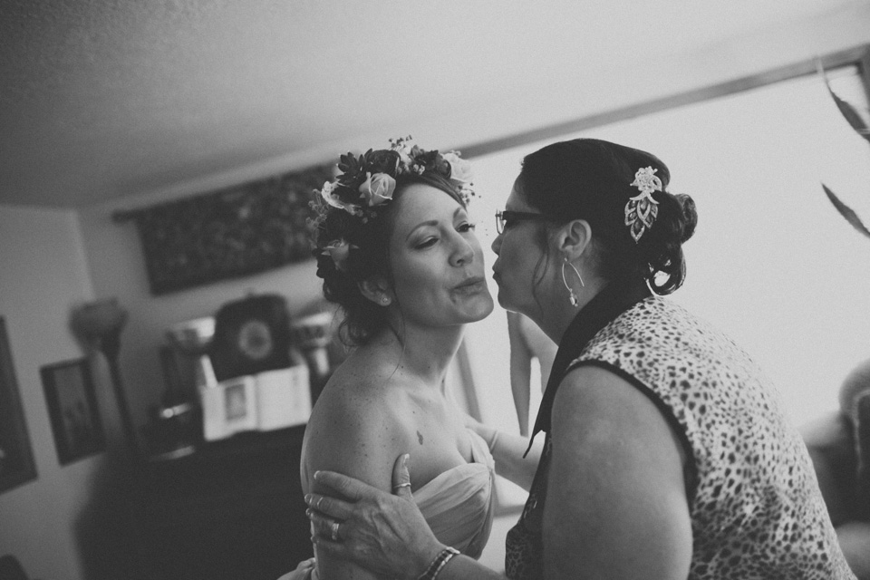 candid wedding photographer portland or