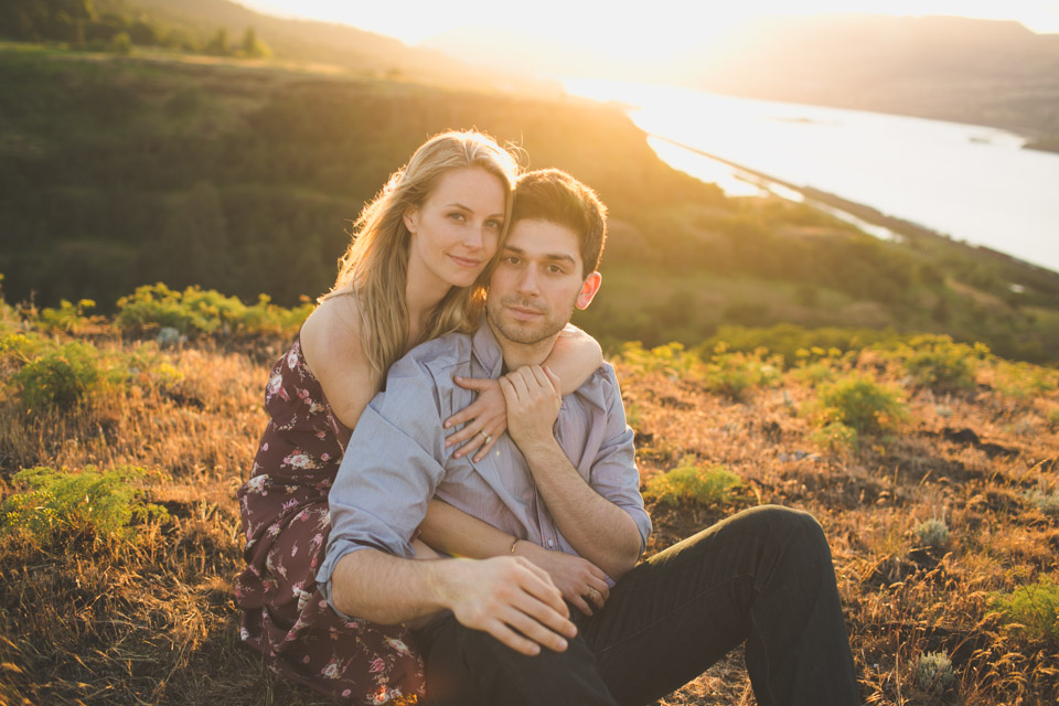 Columbia River Gorge Engagement Photos