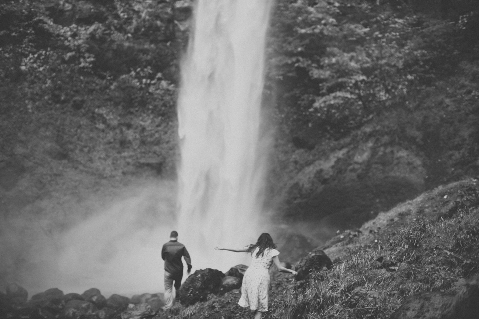 engagement photographer portland or